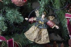 Weihnachtsverzierungen auf dem Weihnachtsbaum Lizenzfreies Stockfoto