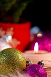 Weihnachtsverzierungen - festliche Stimmung stockfoto
