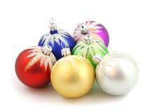 Weihnachtsverzierungen getrennt Lizenzfreie Stockfotos