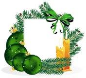 Weihnachtsverzierungen und Kieferzweige. Lizenzfreies Stockbild