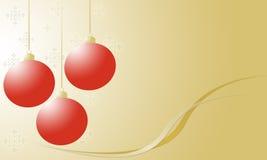 Weihnachtsverzierungen und -schneeflocken auf Gold Stockfotografie