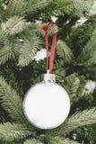 Weihnachtsverzierungsball-Bilderrahmen Stockbilder