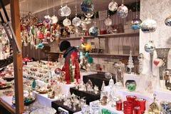Weihnachtsverzierungsspeicher Stockfotos