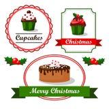 Weihnachtsweinlesenahrung etikettiert und Aufkleber mit kleinen Kuchen, Stechpalme und Kuchen,  Stockfotografie