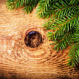 Weihnachtswinterurlaubdekoration auf hölzernem Hintergrund mit Co Stockfoto