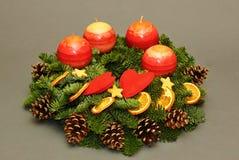 Weihnachtswreath mit Kerzen Lizenzfreie Stockfotos