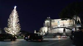 Weihnachtszeit in Rom, Marktplatz Venezia stock video