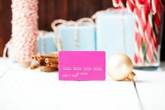 Weihnachtszusammensetzung neues Jahr Rabattkonzept-Rosa cre verkaufend Lizenzfreies Stockbild