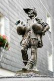 WEIMAR, GERMANY/EUROPE - 14 DE SEPTIEMBRE: La fuente del hombre del ganso imagen de archivo