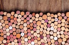 Wein bekorkt Hintergrund lizenzfreie stockfotos