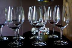 7 Wein-Gläser lizenzfreie stockfotografie