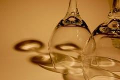 Wein-Gläser und Schatten Lizenzfreies Stockfoto