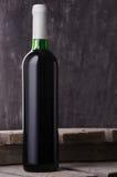 Wein Rotwein in der Flasche Lizenzfreie Stockfotos