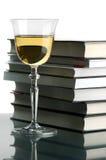 Wein und Bücher Stockfoto
