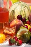 Wein und Früchte Stockbild
