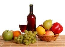 Wein und Frucht Lizenzfreie Stockfotografie