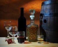 Wein und Weinbrand stockfotografie