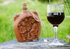 Wein von den roten Trauben Lizenzfreies Stockfoto