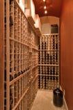Wein-Wandschrank stockfoto