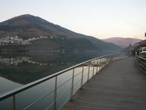 Weinanbaugebiet-Duero-Talreflexion lizenzfreie stockfotografie