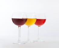 Weinbar, drei Gläser Wein ungewöhnlich lizenzfreie stockfotos