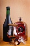 Weinbrand und Zigarre Stockbilder