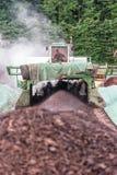 WEINFELDEN, SUIZA - 22 DE JUNIO DE 2010: Estiércol vegetal de aireación en indu Fotografía de archivo libre de regalías