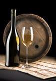 Weinflasche, -glas und -faß Stockbilder