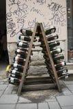Weinflaschen als Dekoration Stockfotos