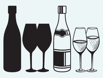 Weingläser und Flaschen Stockfotografie