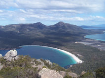 Weinglas-Bucht in Nationalpark Freycinet Lizenzfreie Stockfotos