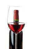 Weinglas mit Flasche stockbilder