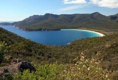 Weinglasbucht, Nationalpark Freycinet, Tasmanien Australien lizenzfreie stockfotos