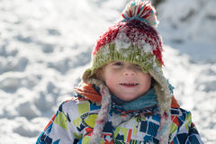 Weinig 3 éénjarigenkind in de sneeuw Royalty-vrije Stock Foto's