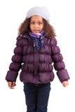 Weinig Afrikaans Aziatisch meisje dat de winterkleren draagt Royalty-vrije Stock Afbeelding
