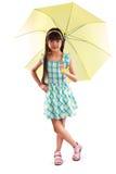 Weinig Aziatisch meisje met paraplu Royalty-vrije Stock Afbeeldingen