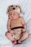 Weinig babyjongen, het slapen Stock Fotografie