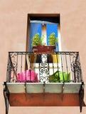 Weinig balkon in de zon stock foto's