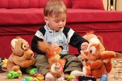 Weinig blonde babyjongen Stock Afbeeldingen