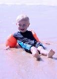 Weinig blonde jongen royalty-vrije stock foto's