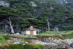 Weinig cabine in het hout royalty-vrije stock fotografie
