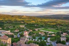 Weinig dorp bij in de Provence Royalty-vrije Stock Foto's