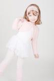 Weinig glimlachend meisje in ballerinakostuum Stock Foto
