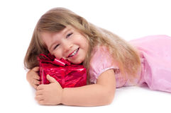 Weinig glimlachend meisje met giftdoos Royalty-vrije Stock Afbeelding