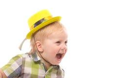 Weinig Grappige jongen in overhemd en grappige hoed Royalty-vrije Stock Foto