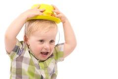 Weinig Grappige jongen in overhemd en grappige hoed Royalty-vrije Stock Fotografie