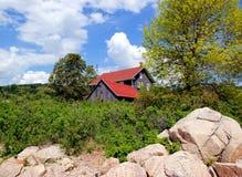 Weinig huis op de Prairies Stock Foto