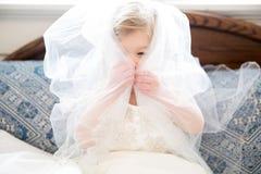 Weinig huwelijksmeisje Royalty-vrije Stock Afbeeldingen