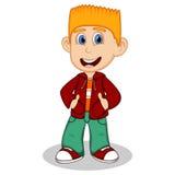 Weinig jongen die een rood jasje en een groen beeldverhaal van de broekenstijl dragen Stock Foto