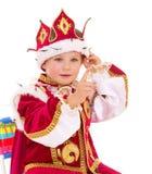 Weinig jongen kleedde zich als koning Stock Foto's
